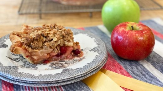 Apple cranberry pie with oat crumble