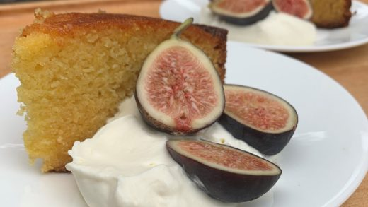 Semolina, olive oil and honey cake with cherries