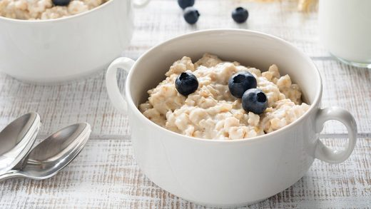 Simple and healthy breakfast oatmeal