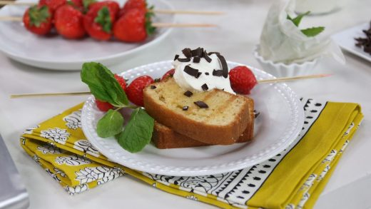 Grilled pound cake with strawberries and cream