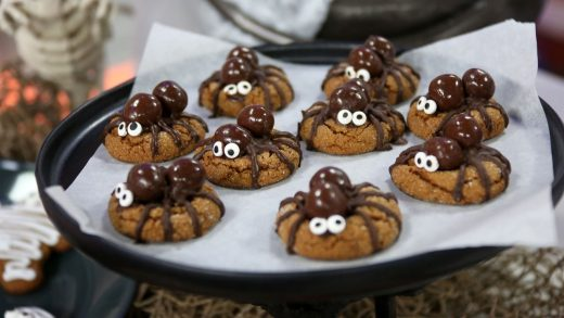 Gingerbread spiders
