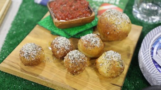Pizza poppers with marinara sauce