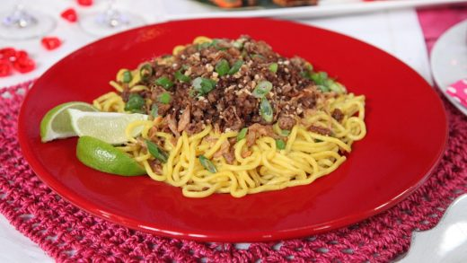 Dan Dan noodles with spicy pork