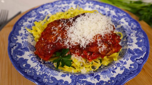 Turkey scaloppini with homemade tomato sauce