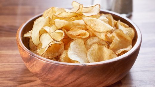 Crispy salt 'n' vinegar potato chips